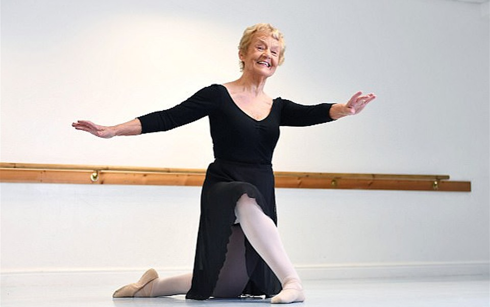 Жительница Великобритании установила рекорд, став балериной в80 лет