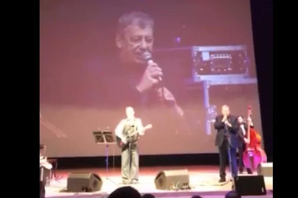 Чернецкий исполнил песню Высоцкого вдуэте сАлександром Скляром