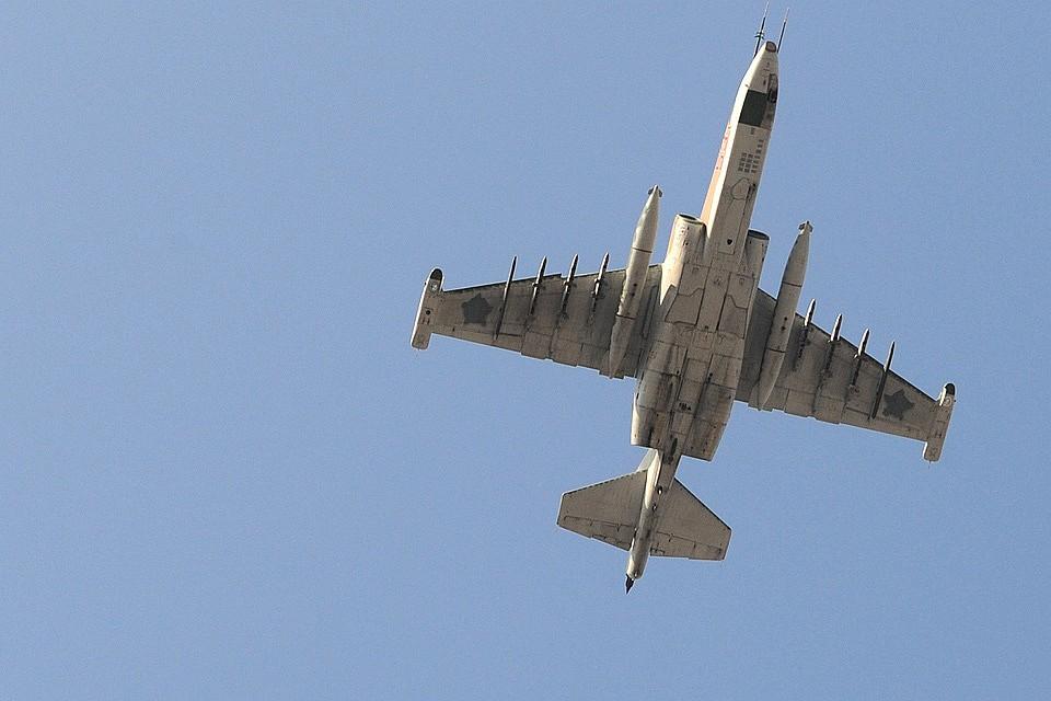 Уклонившийся отогня террористов русский Су-25 попал навидео