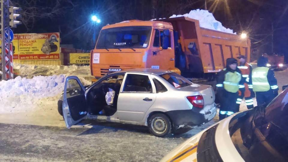 ВМагнитогорске шофёр «Лады» устроил ДТП, пострадали трое