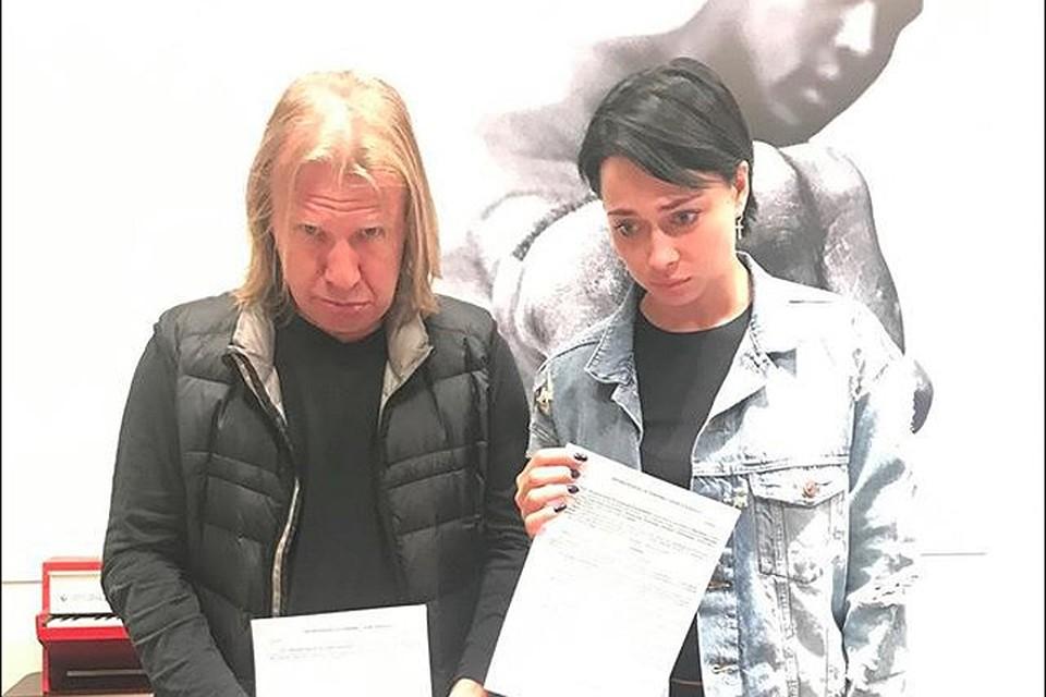 Виктор Дробыш ударил Настасью Самбурскую из-за 500 рублей