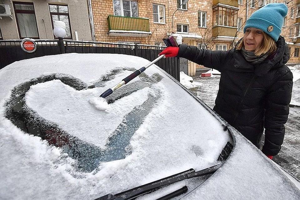 Ночной снегопад имногочисленные ДТП парализовали движение вЧелябинске