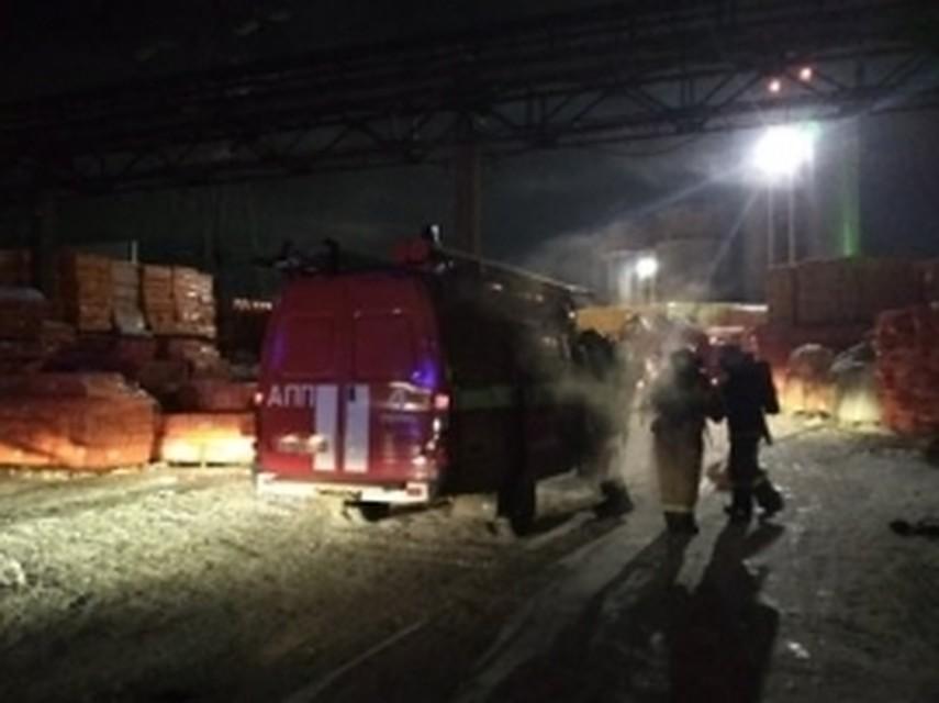Ночью вПерми произошел пожар впромышленном помещении