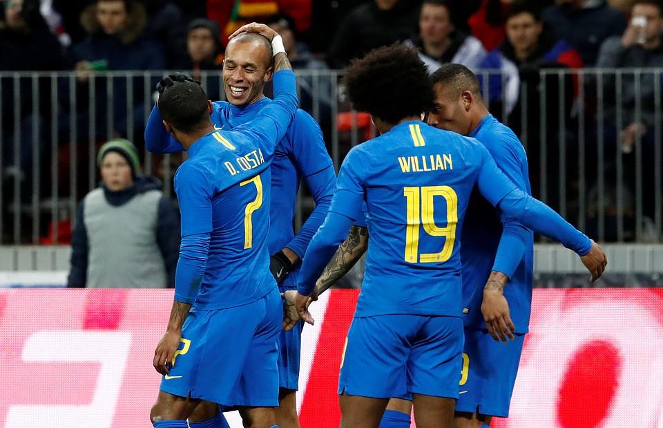Футболисты сборной Российской Федерации уступили втоварищеской встрече сборной Бразилии