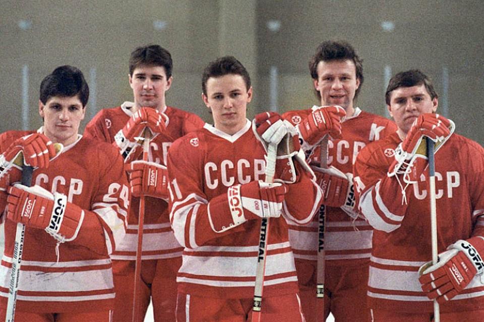 Молния русского хоккея: Фетисов отмечает юбилей