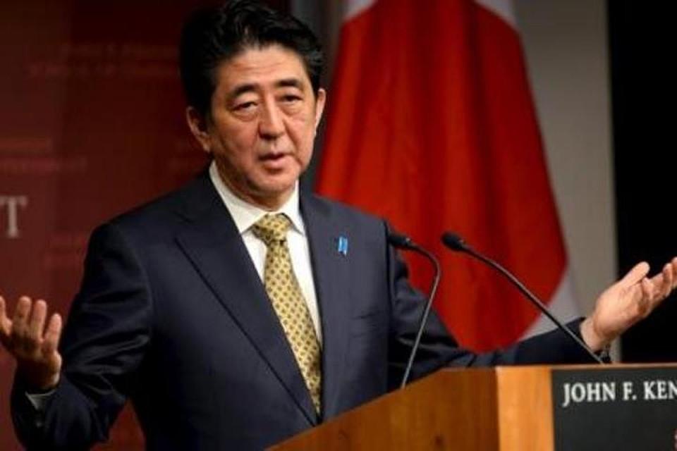 Абэ назвал положительным шагом отказ КНДР отядерных испытаний