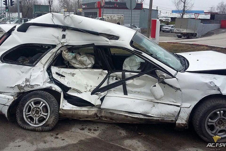 Водителя «Тойоты» увезли наскорой после ДТП с фургоном наБольшевистской