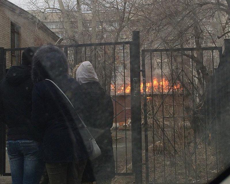 Натерритории детского сада наУралмаше вспыхнул пожар