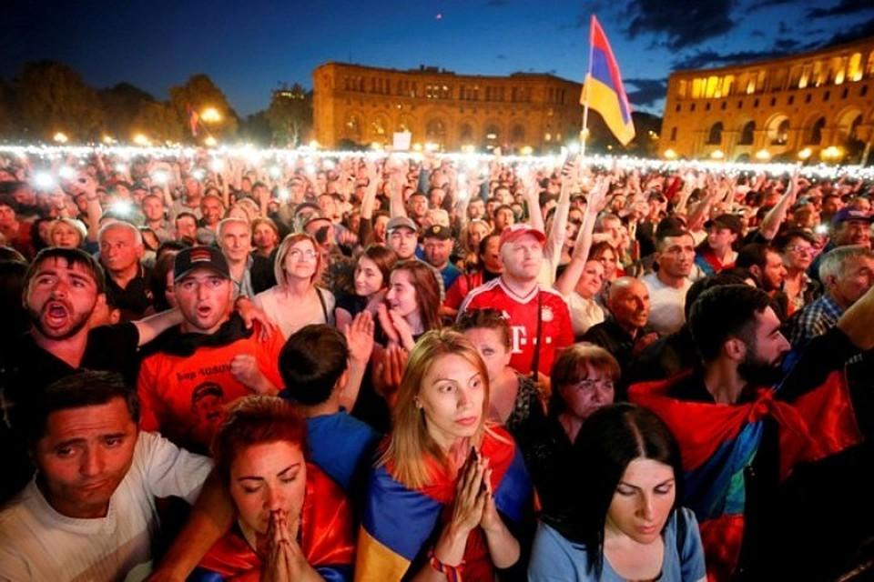 ЕСпризывает кдиалогу политические силы Армении