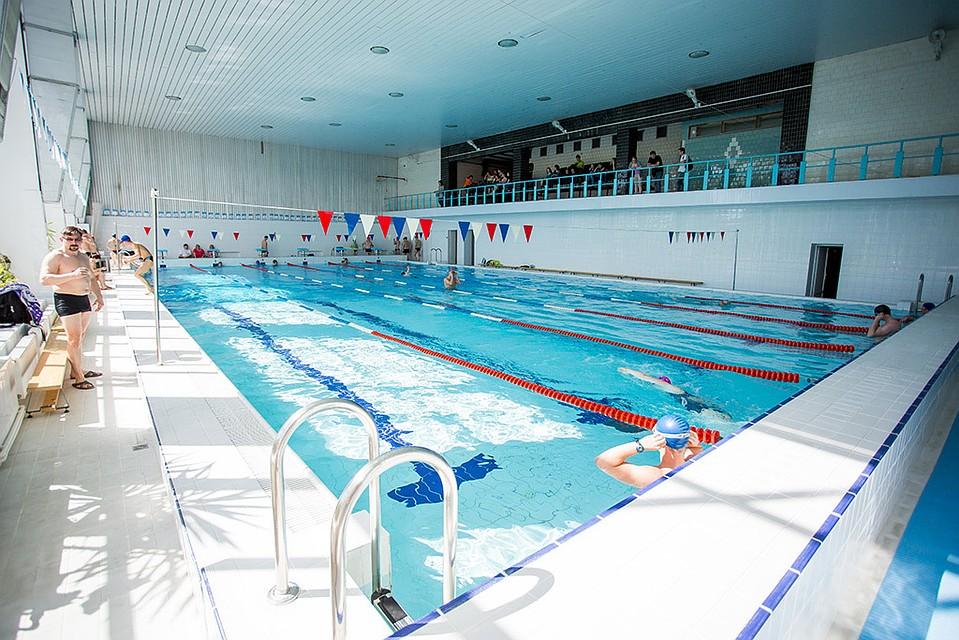 Петербургский школьник угодил вфильтр бассейна и умер