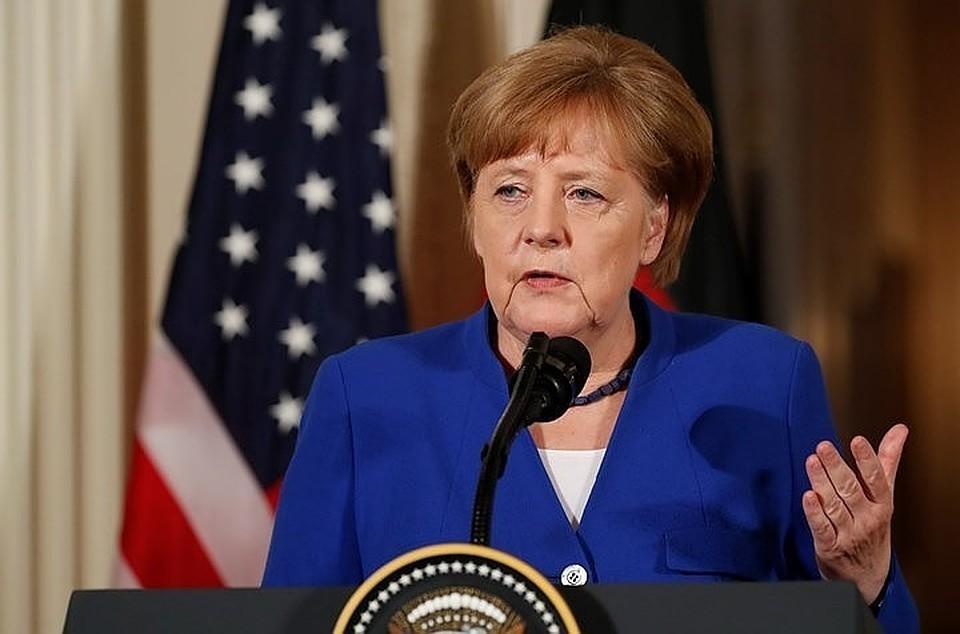 Меркель осталась воглаве Германии, чтобы спасти мир отТрампа