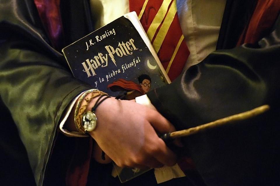 Редкостный экземпляр «Гарри Поттера» сошибками ушел смолотка за $74 тыс