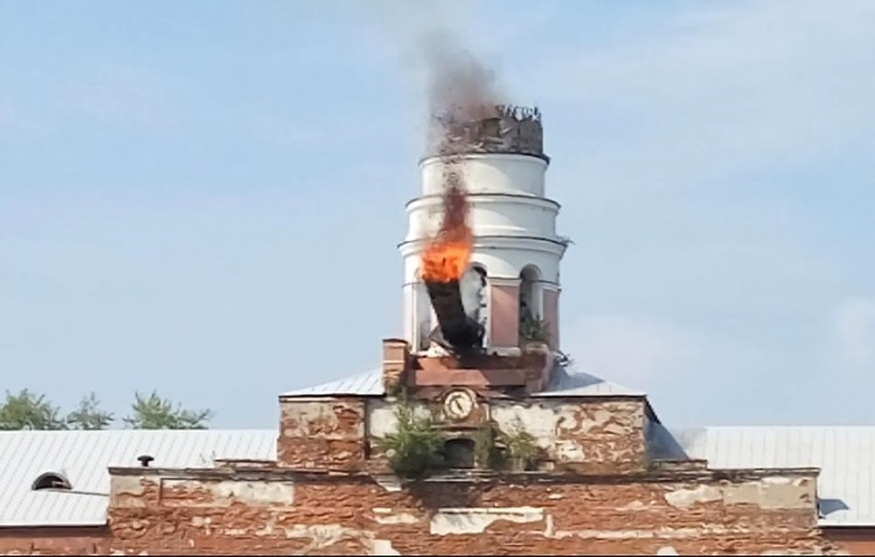 Обрушение башни «Ижмаш» вцентре Ижевска попало навидео