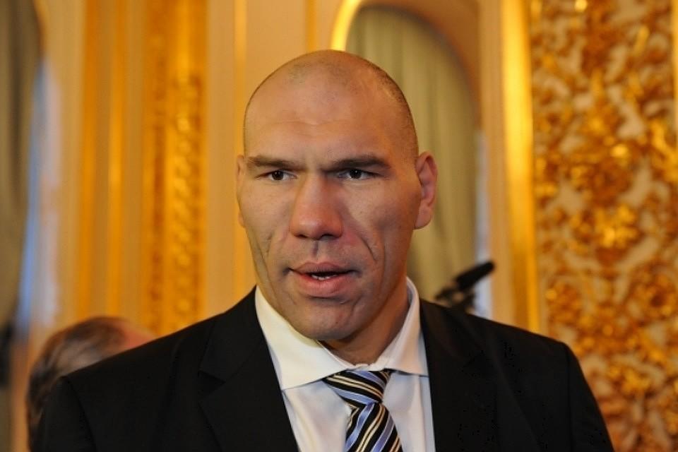 Валуев назвал «убогим финтом» попытку политизировать победу Усика