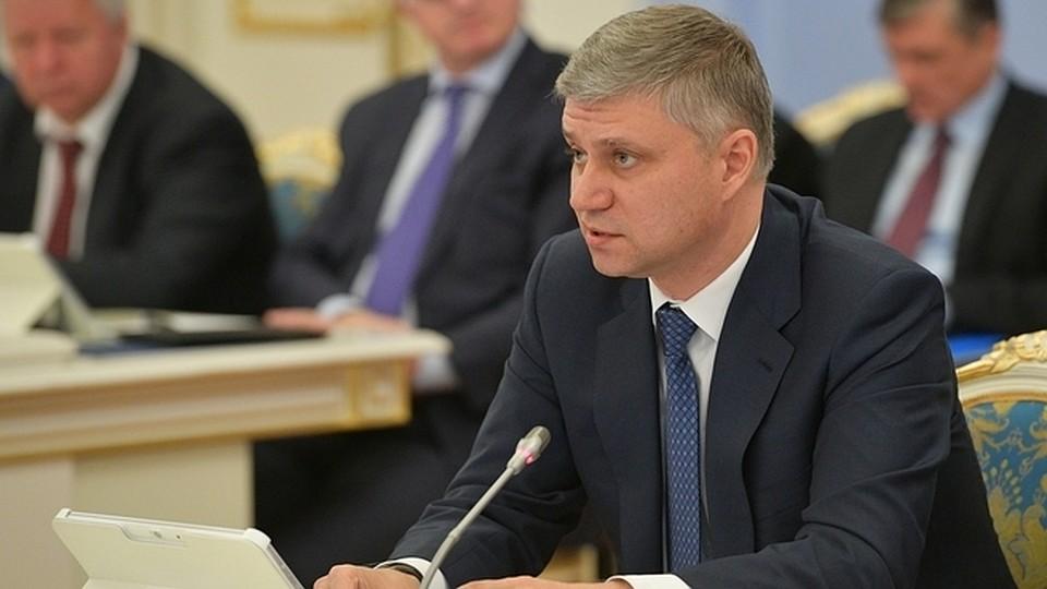 Медведев прервал доклад руководителя РЖД, призвав его нехвалиться успехами