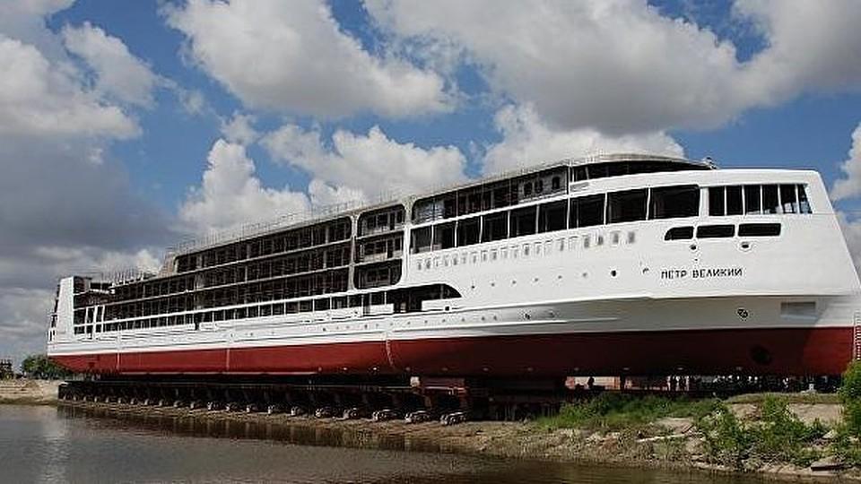 В Российской Федерации спустили наводу 1-ый круизный лайнер «Петр Великий»