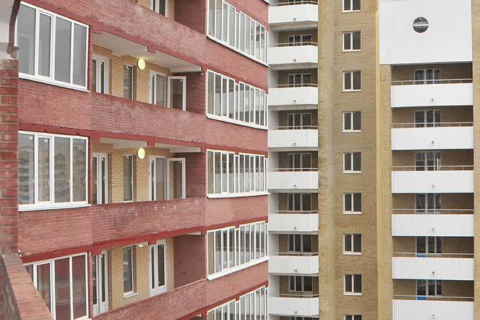 Парень прыгнул с 16-этажки.