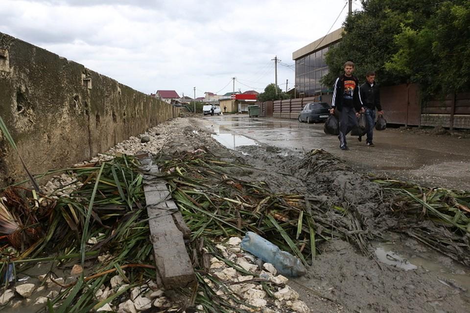 Еще вчера по улицам неслись бурлящие потоки