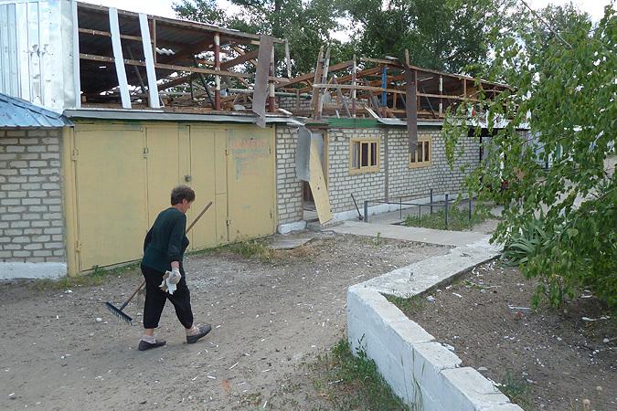 """Так в селе Макарово хунта лупила по мирным зданиям """"унтерменшей"""""""