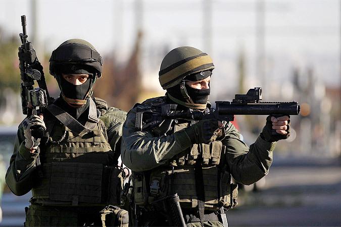 Во время карательной операции израильтяне убили одиннадцать палестинцев, в том числе несколько детей, из которых самому маленькому – семь лет.