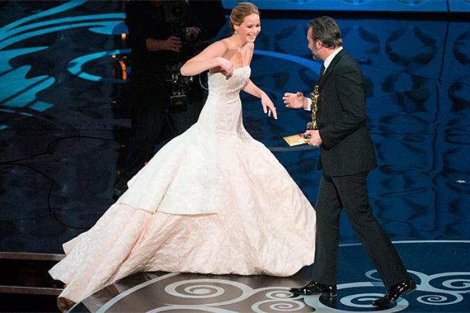 Звезда «Голодных игр» названа самой влиятельной актрисой ... скарлетт йоханссон и сандра буллок