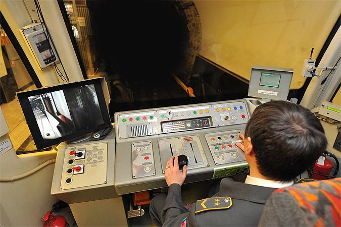 """Машинистам """"Русичей"""" не приходится беспокоиться о превышении скорости, ее контролирует система автоматически."""