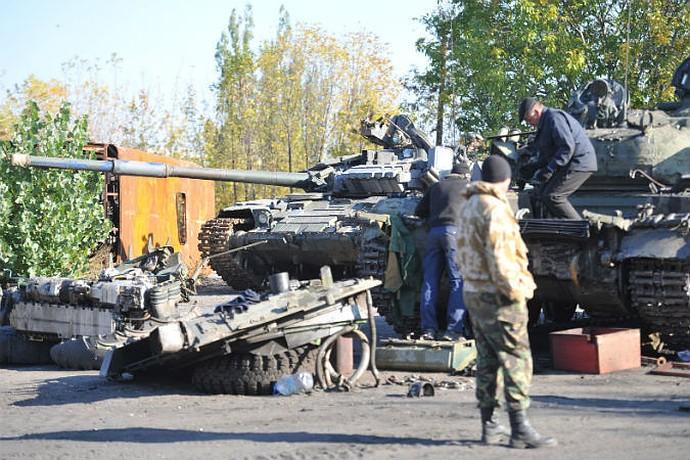 Корреспонденты «КП» побывали на одной из ремонтных баз Донецкой народной республики