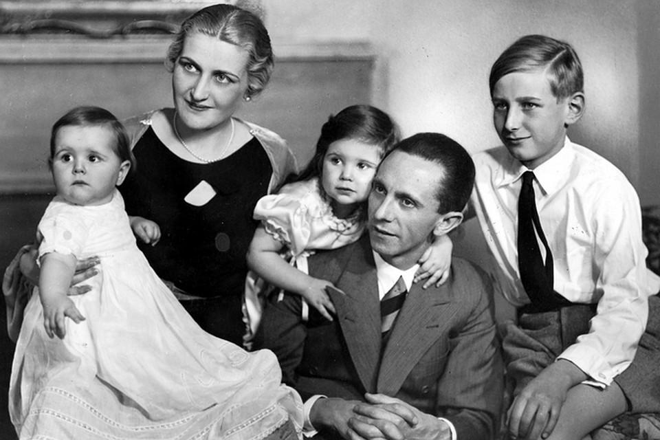 Йозеф Геббельс с семьей. Крайний справа - Харальд Квандт