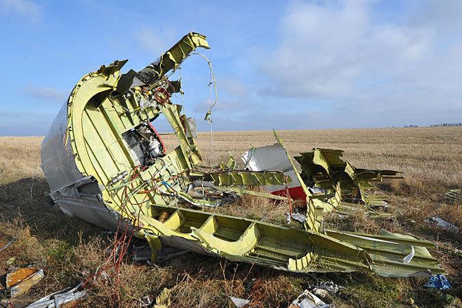 Украинская сторона стала опять обстреливать территорию, на которой лежат обломки самолета