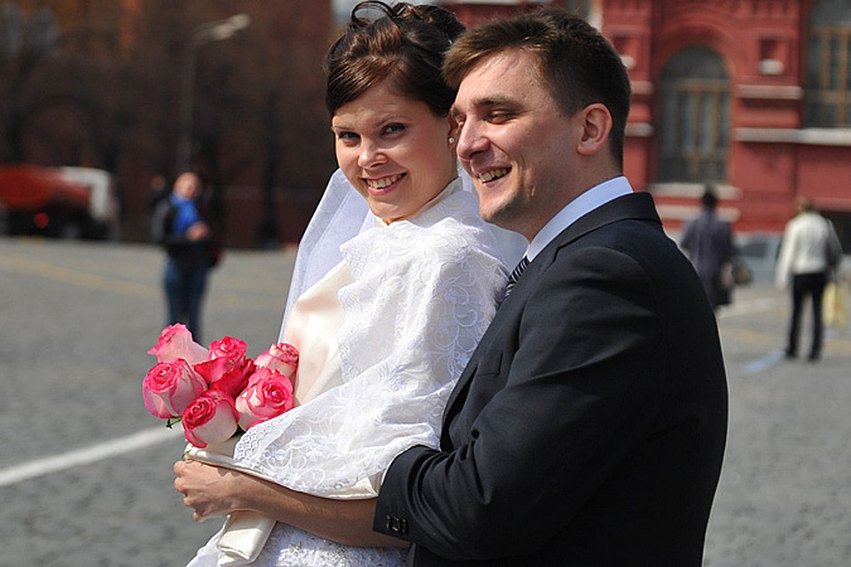 Вступить в брак теперь стоит 350 рублей
