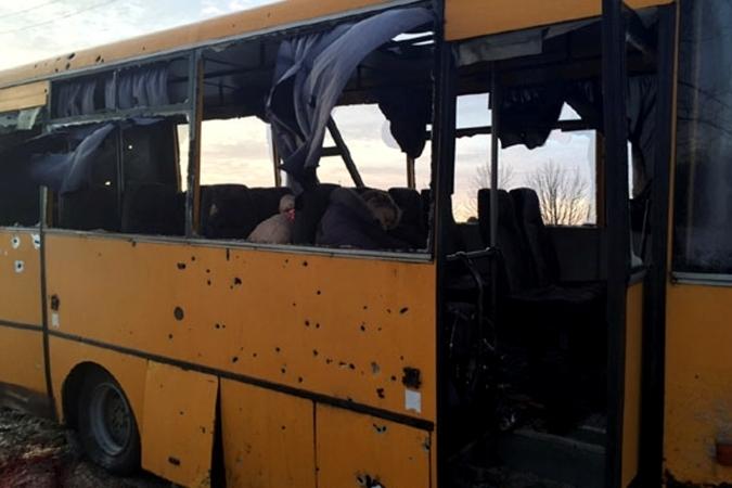 13 января под Волновахой был обстрелян пассажирский автобус, погибли 12 человек