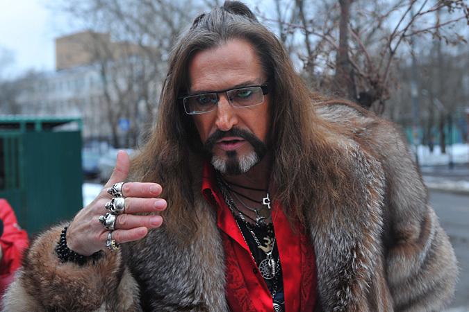 Никита Джигурда назвал ведущего Корчевникова «щенком» и устроил драку в прямом эфире