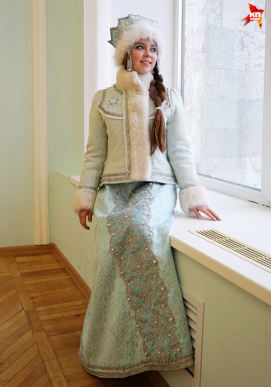 Фото красивых девушек в костюме снегурочки 22 фотография