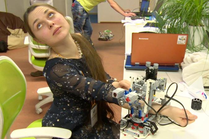 Такой робот может частично разгрузить медсестру
