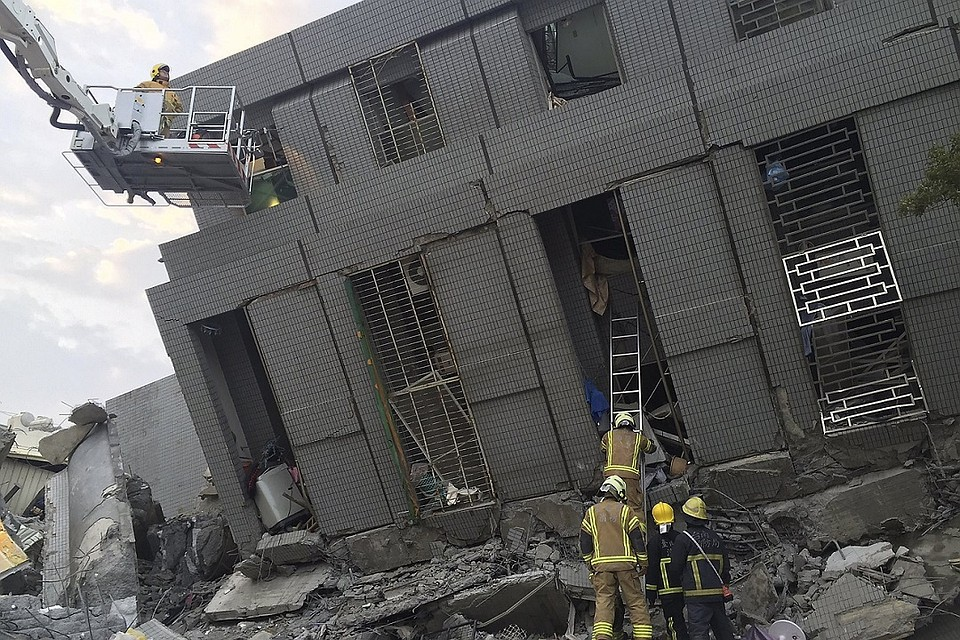В результате землетрясения на Тайване погибли 78 человек