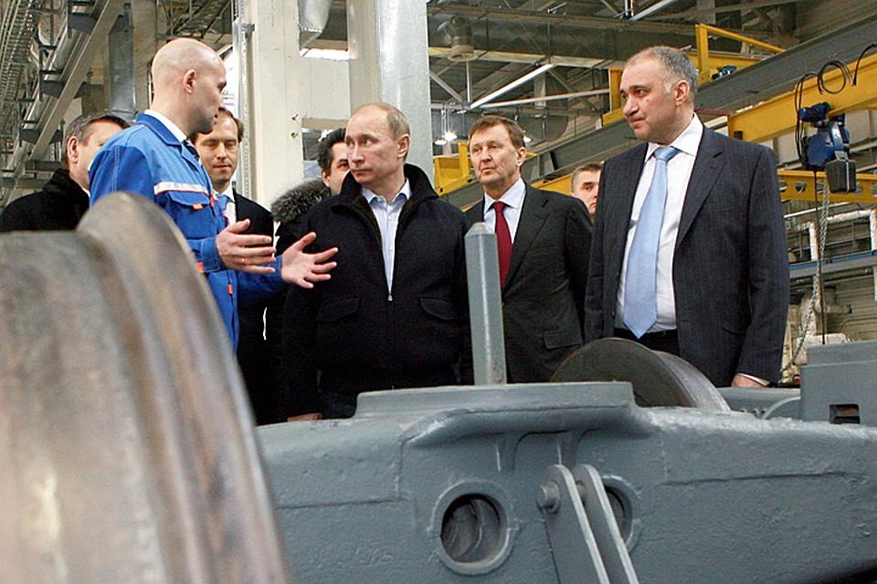 Не должно быть продаж акций за бесценок, - сказал министрам президент Владимир Путин. Фото ИТАР-ТАСС/ Руслан Шамуков
