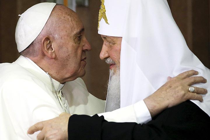 Встреча настоятелей двух церквей может послужить началом разрядки и примирения.