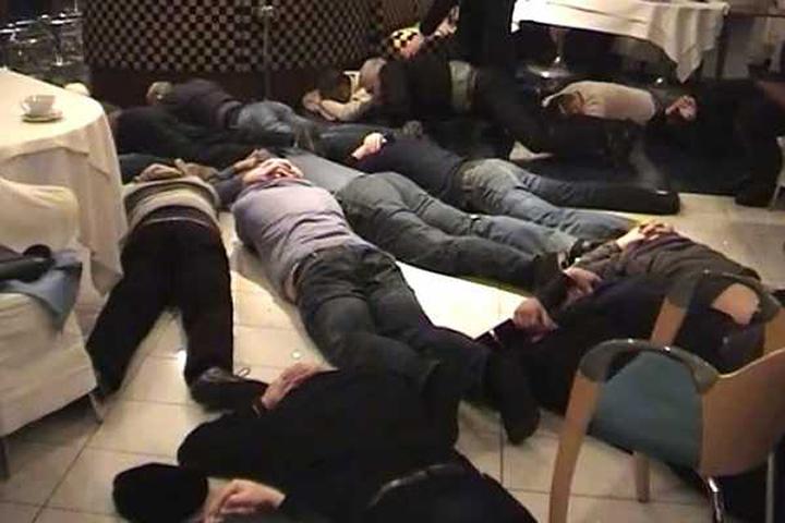 На момент проверки в помещении заведения находились 59 граждан. Фото: Пресс-служба ГУ МВД РФ по МО