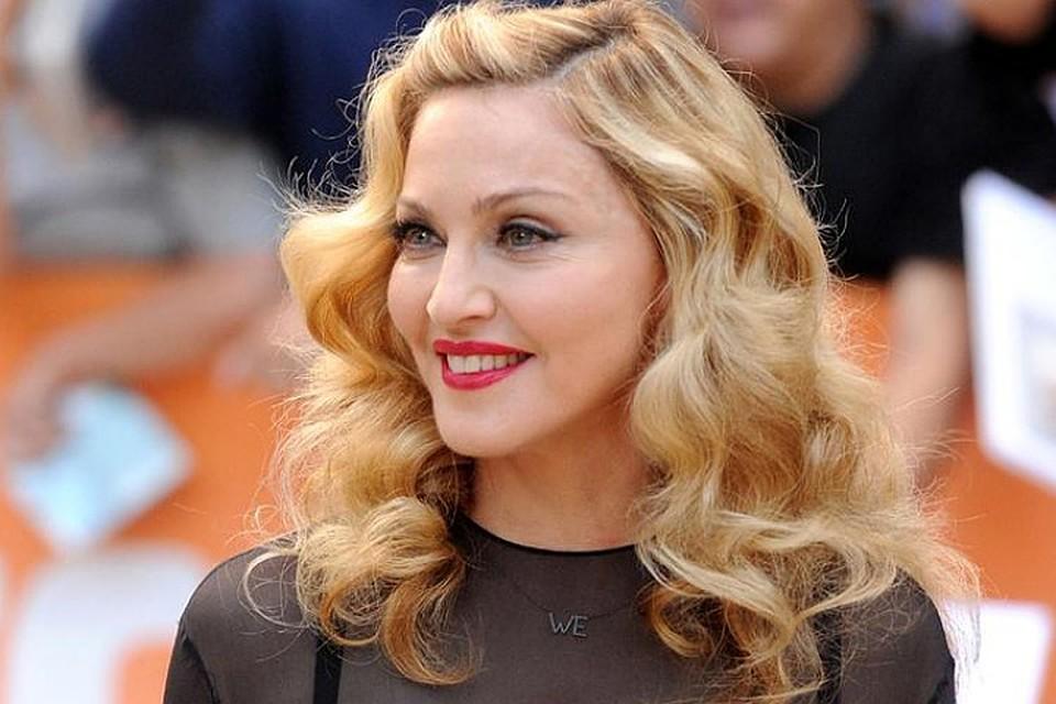 """Мадонна выбрала сдержанную стратегию: напирать на свою """"неумирающую любовь"""" к Рокко"""