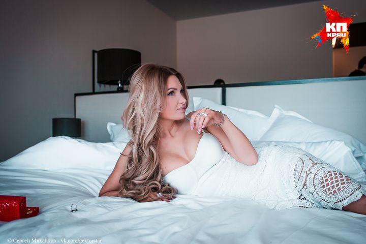 катя в постели с очередным партнером