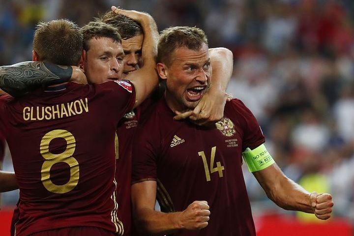 Игроки сборной России попросили фанатов не устраивать беспорядки во Франции