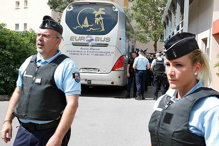 Как рассказали «КП» в префектуре Марселя, 20 российских граждан уже отпустили на свободу, и к ним французское правосудие никаких претензий не имеет