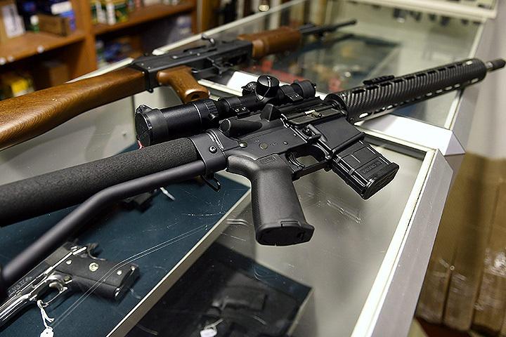 Винтовка AR-15 на полке магазина. ФОТО Lehtikuva/EAST NEWS