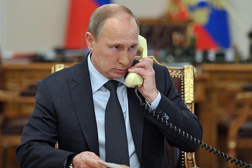 Владимир Путин общается с турецким коллегой по телефону Фото ИТАР-ТАСС/ Алексей Никольский