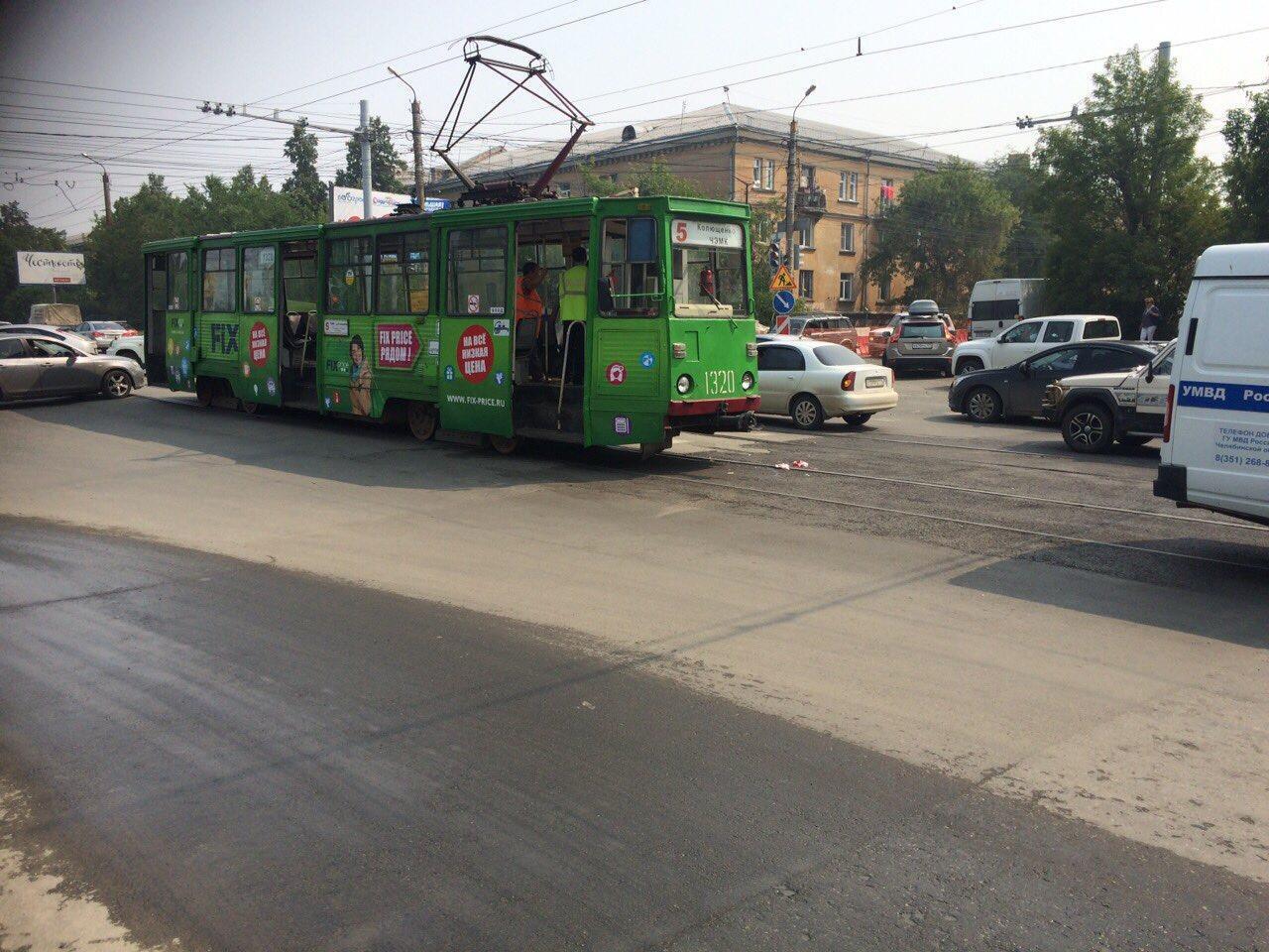 ВЧелябинске трамвай сбил пенсионерку на«зебре»