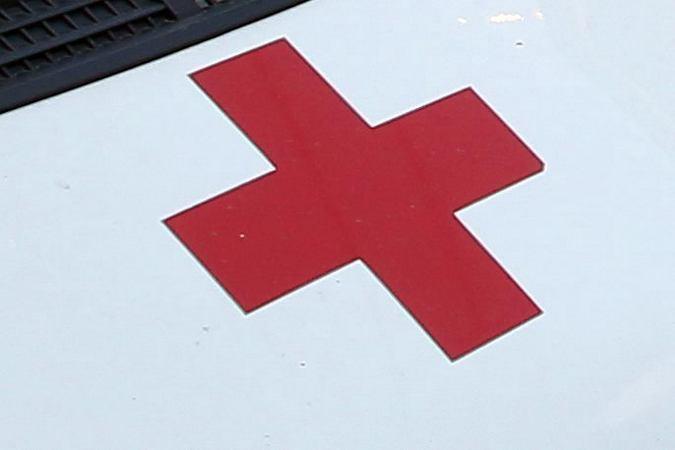 НаФучика пьяная женщина упала под автобус наостановке