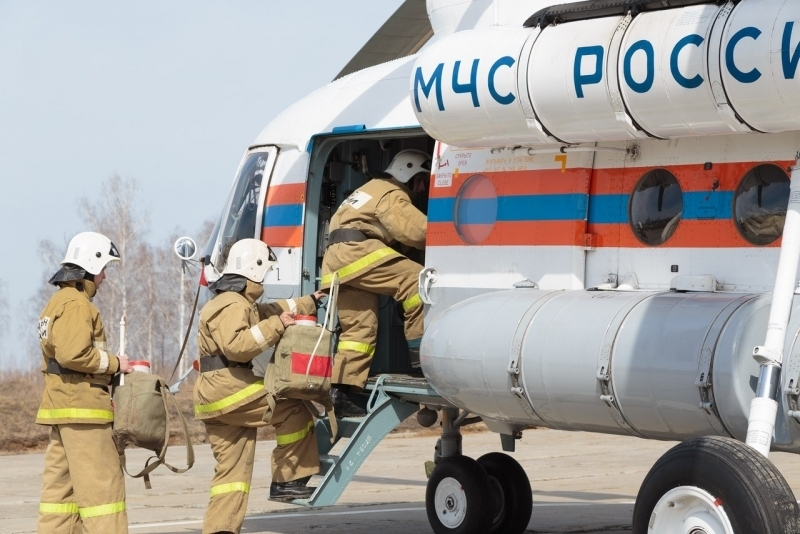В Югре разбился самолет, один человек погиб: http://www.kompravda.eu/daily/26568/3584625/