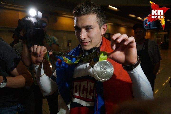 Давид Белявский считает командную медаль ценнее, потому что она достается необычайно тяжелым трудом