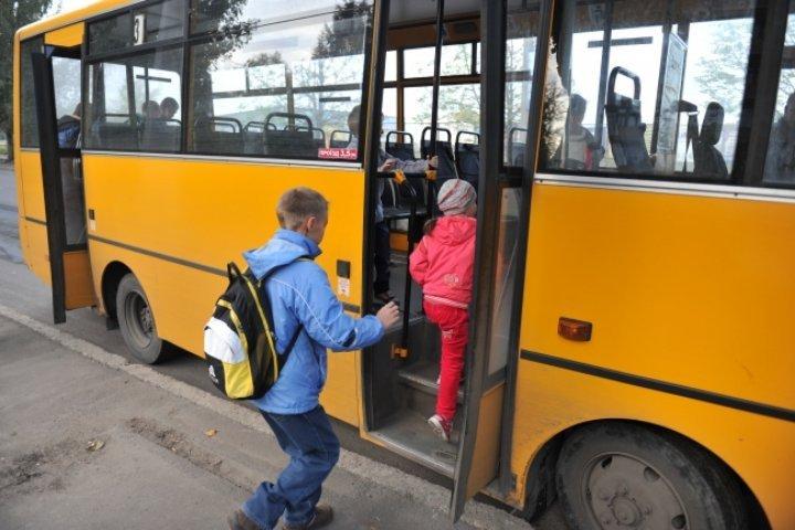 Тринадцать школьных автобусов получит вначале осени Томская область