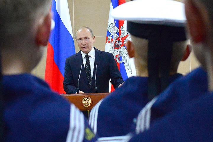 Владимир Путин одобрил создание отдела Нахимовского училища вСевастополе